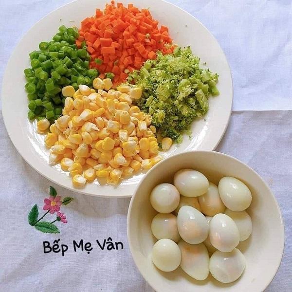 sup ga va tom - Cách nấu Súp gà tôm trứng cút thập cẩm thơm ngon bổ dưỡng